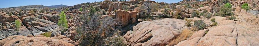 花岗岩小山谷风景,普里斯科特, AZ全景 图库摄影