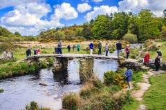 花岗岩拍板桥梁,普林斯敦,英国, 库存图片