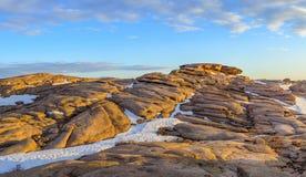 花岗岩被腐蚀的山Bektau-Ata 图库摄影