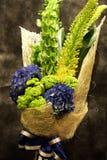 花束五颜六色的花春天 免版税库存图片