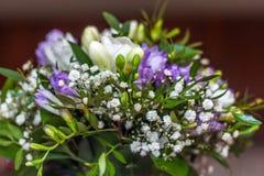 花束新娘新娘新郎现有量 库存图片