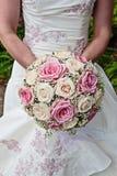 花束新娘粉红色玫瑰白色 库存照片