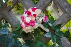 花束玫瑰色婚礼 库存照片