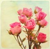 花束玫瑰顶视图 例证百合红色样式葡萄酒 被构造的纸水彩 免版税库存图片