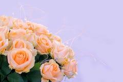 花束精美米黄色的玫瑰 库存照片