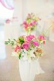 花构成在婚礼餐馆 免版税库存照片