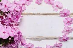 花框架在桌上的 免版税库存图片
