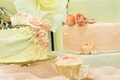 花梢婚宴喜饼显示表 库存图片