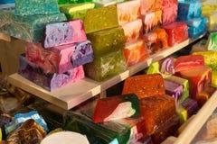 花梢肥皂色的手工制造块  免版税库存照片