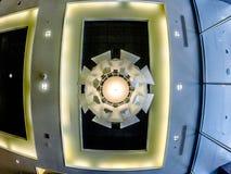 花梢豪华旅馆大厅在一个大城市 图库摄影