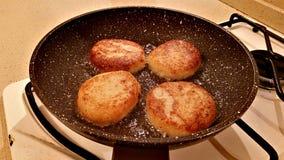 从花椰菜的可口炸肉排 免版税库存图片