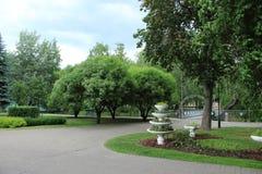 花瓶在公园 图库摄影