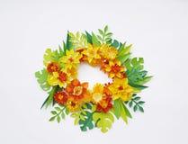 花由纸手工制造制成 在视图之上 复活节花 桃红色背景 圣洁华伦泰的天 库存图片