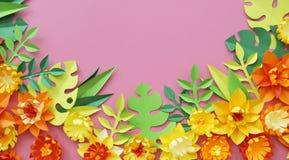 花由纸手工制造制成 在视图之上 复活节花 桃红色背景 圣洁华伦泰的天 库存照片