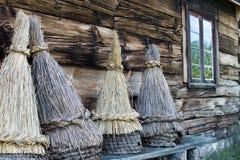 花的传统秸杆覆盖物, Kaszuby,波兰 库存图片