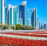 花的现代城市,多哈,卡塔尔 图库摄影