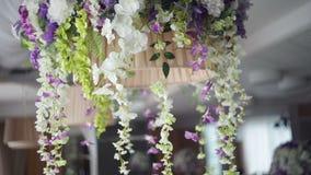 花的装饰在结婚宴会的餐馆 股票视频
