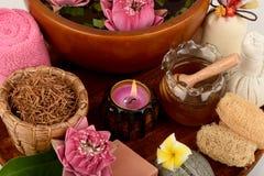 花粉莲花、莲花和肥皂,泰国的手工制造肥皂温泉花 免版税库存图片