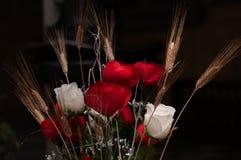 花花束与白玫瑰,英国兰开斯特家族族徽,麦子的耳朵的 库存图片