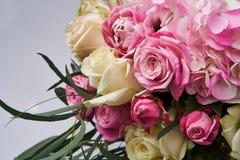 花花束关闭 花卉设计和卡片庆祝的美好的照片拼贴画 图库摄影