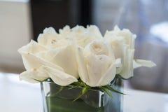 花花束安排装饰 免版税库存图片