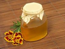 花蜂蜜瓶子 图库摄影