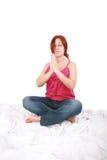 花费yogatic时间的妇女 库存图片