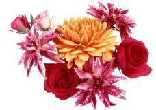 花,红色和黄色花美丽的花束  免版税库存照片
