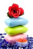 芳香五颜六色的玫瑰色肥皂 库存图片