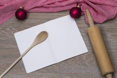 芳香烘烤圣诞节曲奇饼姜饼香料 免版税库存图片