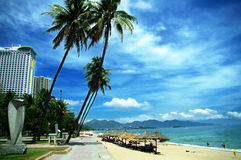 芽庄市海滩,庆和省,越南 免版税图库摄影