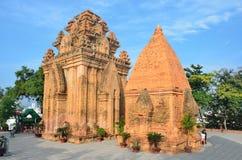 芽庄市,越南, Ponagar可汗在寺庙复杂Po Nagar耸立 库存照片