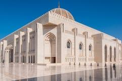 苏丹卡布斯清真寺,马斯喀特,阿曼 免版税库存照片