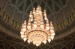 苏丹卡布斯盛大清真寺的枝形吊灯,阿曼 免版税库存照片