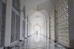 苏丹萨拉赫丁省阿卜杜勒・阿齐兹清真寺在莎阿南,马来西亚 库存图片