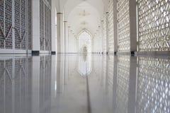 苏丹萨拉赫丁省阿卜杜勒・阿齐兹清真寺在莎阿南,马来西亚 图库摄影