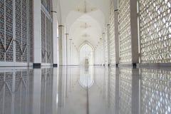 苏丹萨拉赫丁省阿卜杜勒・阿齐兹清真寺在莎阿南,马来西亚 库存照片
