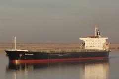 苏伊士CANAL/EGYPT - 2007年1月3日-散装货轮博塔福戈 库存图片