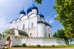 苏兹达尔克里姆林宫,俄罗斯的金黄圆环 免版税库存图片