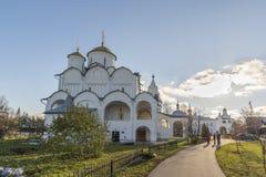 苏兹达尔,俄罗斯-06 11 2015年 圣Pokrovsky修道院的调解大教堂在16世纪建造 金黄圆环旅行 免版税库存照片