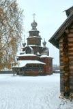 苏兹达尔,俄罗斯- 2016年11月5日:木建筑学博物馆  库存图片