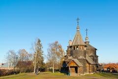 苏兹达尔,俄罗斯- 2015年11月06日 在金黄旅游圆环的博物馆木建筑学 免版税图库摄影