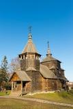 苏兹达尔,俄罗斯- 2015年11月06日 在金黄旅游圆环的博物馆木建筑学 免版税库存照片