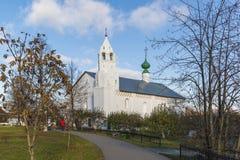 苏兹达尔,俄罗斯-06 11 2015年 有构想教会的餐厅被修造了16世纪 旅行金黄圆环  免版税库存照片