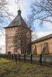 苏兹达尔,俄罗斯-06 11 2015年 Proezdnaya塔在苏兹达尔的圣Euthymius修道院被建造了16世纪 库存照片