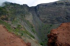 维苏威火山火山口和山在那不勒斯附近在意大利 免版税库存图片
