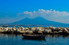 维苏威火山,那不勒斯,意大利难以置信的看法  图库摄影