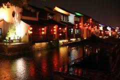 苏州老镇,中国夜视图  免版税库存图片