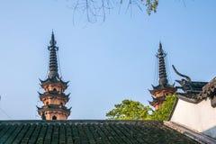 苏州Luohuan双塔 免版税库存照片