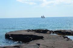 苏必利尔湖畔海岸线 图库摄影